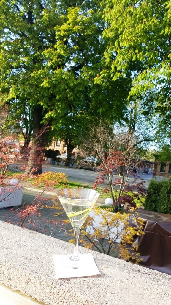 Bald blühen die Kastanien. Schönes Wochenende!