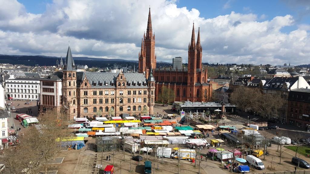 Und nochmals Wiesbadener Stadtmarkt – von Oben
