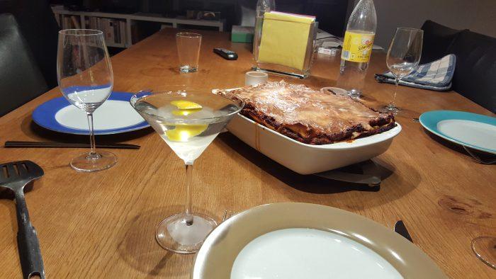 In der Eifel gab's leider keinen akzeptablen Martini, auch nicht in der südlichen Pfalz, aber dahoam is dahoam, da warten ein Martini und ein formidable Lassagne.