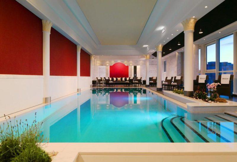 Was man in Hotelschwimmbädern lernen kann – Oder das perfekte Hotel-Erlebnis