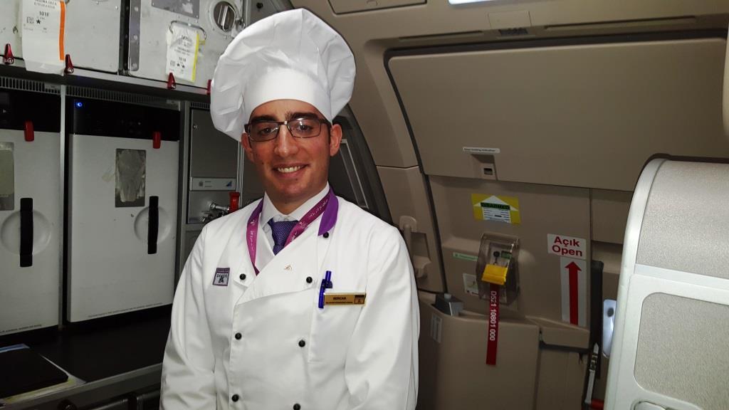 Boarding heute bei Turkish Airlines. Wann gleich hatte ich auf einem Lufthansa-Flug das letzte mal einen Koch mit an Bord?