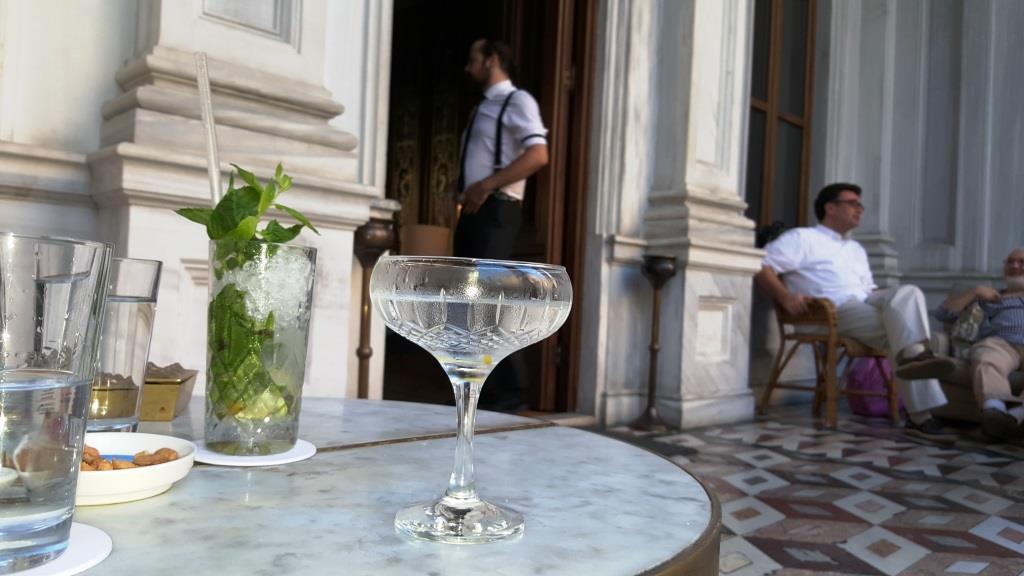 Martini Cocktail im Soho House in Istanbul: das Leben ist schön.
