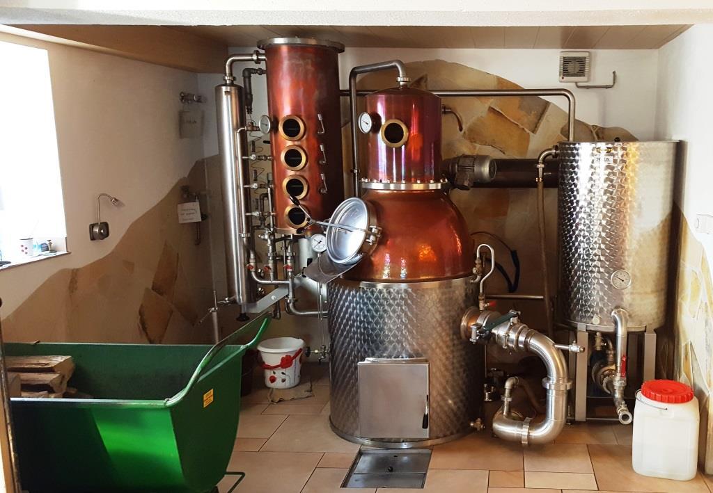 Jenseits von Designer-Food und Customer Experience: Über 100 Jahre alte Dorfbrennerei im Trubachtal