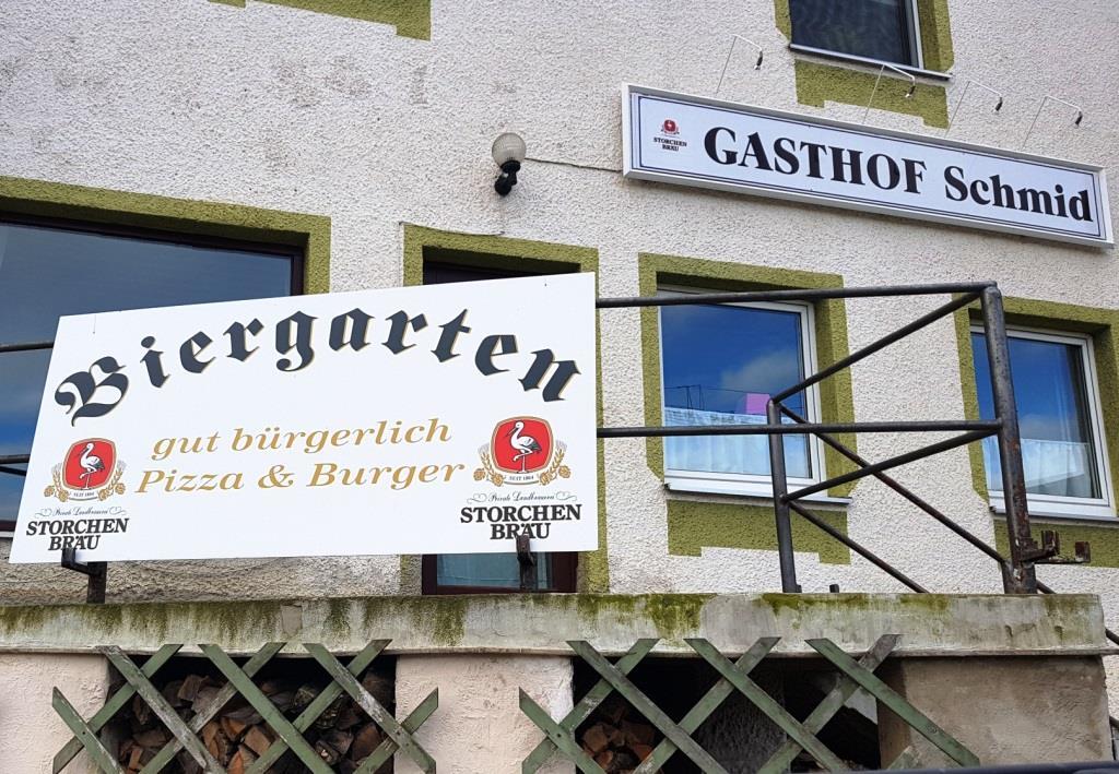 "Das muss mir bitte mal jemand erklären: ""Gut bürgerlich – Pizza – Burger"". Was für gute Bürger sind das bitte?"