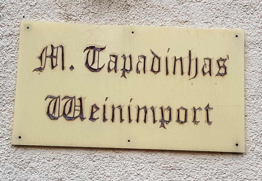 Marginalie 51: Die Geschäfte des Herrn Tapadinhas