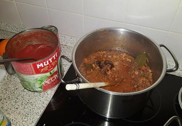 Bolognese, Nudelsauce, Nudelsoße, Gehacktes, Tomaten, Nudeln