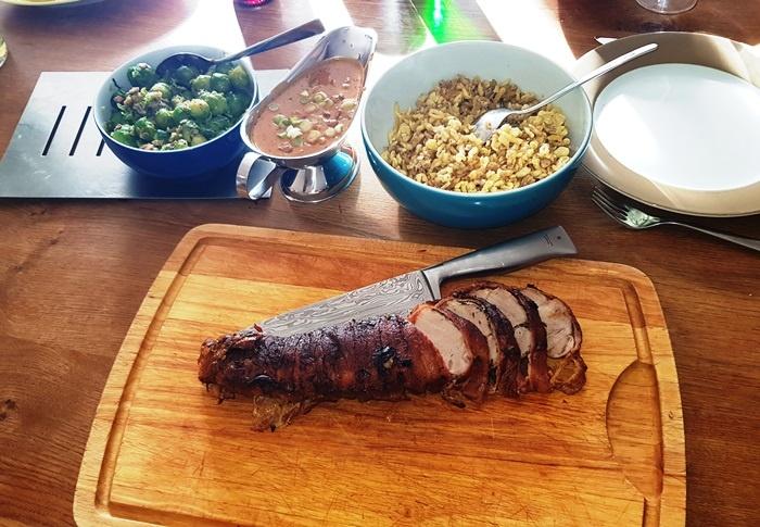 Schweinefleisch, Schwein, Schweinefilet, Speckmantel, Speck, Bacon. Dünsten, Sahnesauce, Sahnesoße