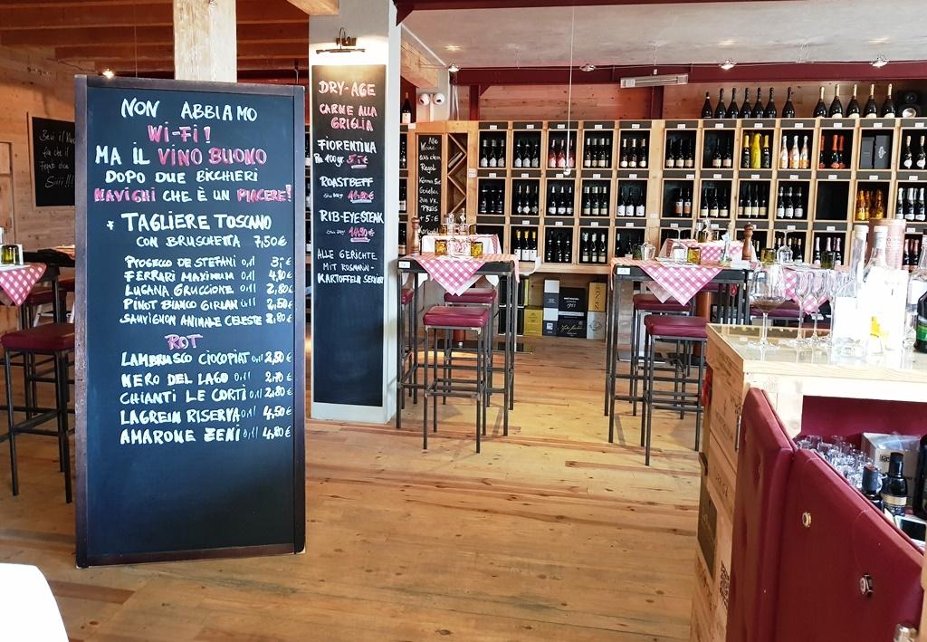 Weineinkauf und leichter Lunch im Mavin: ganz kurios