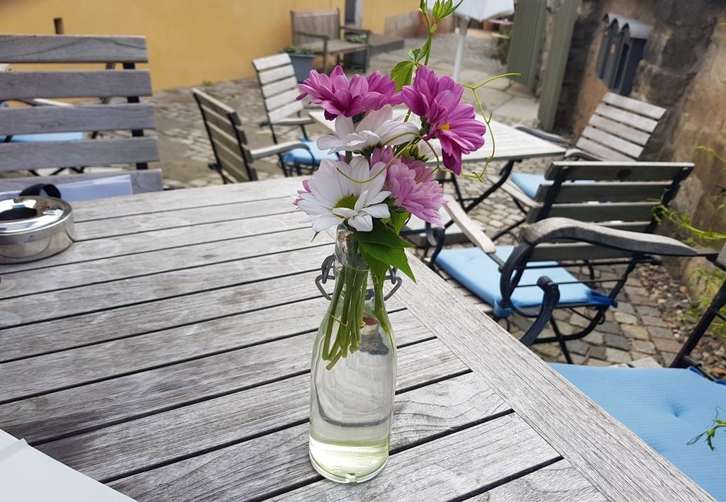 Kleinert's Spezialitäten in Dresden Loschwitz: unprätentiöse, eigenwillige, aber gekonnte Küche in entspannter Umgebung