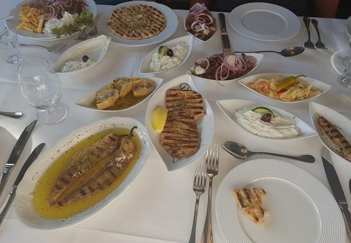 Mezze, Taverna Ikaros, Augsburg, Grieche
