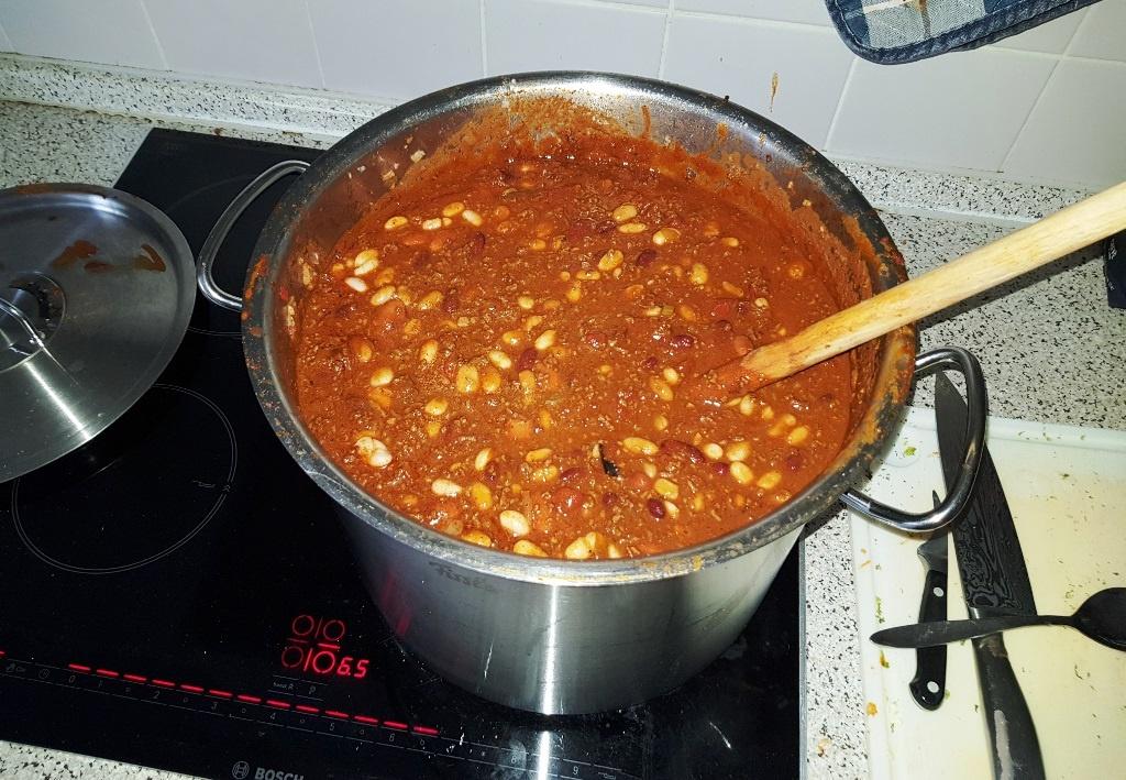 Mal eben 10 Liter Chili con Carne gekocht … für schlechte Zeiten