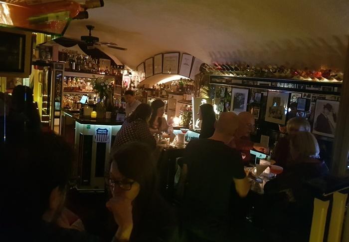 NewYork NewYork Bar, Club Dido Gastronomie GmbH, Farhat Ellouzi, Mounira Ellouzi, Excalibur, Martini, Krugers Bar, Wien, Österreich, Sacher