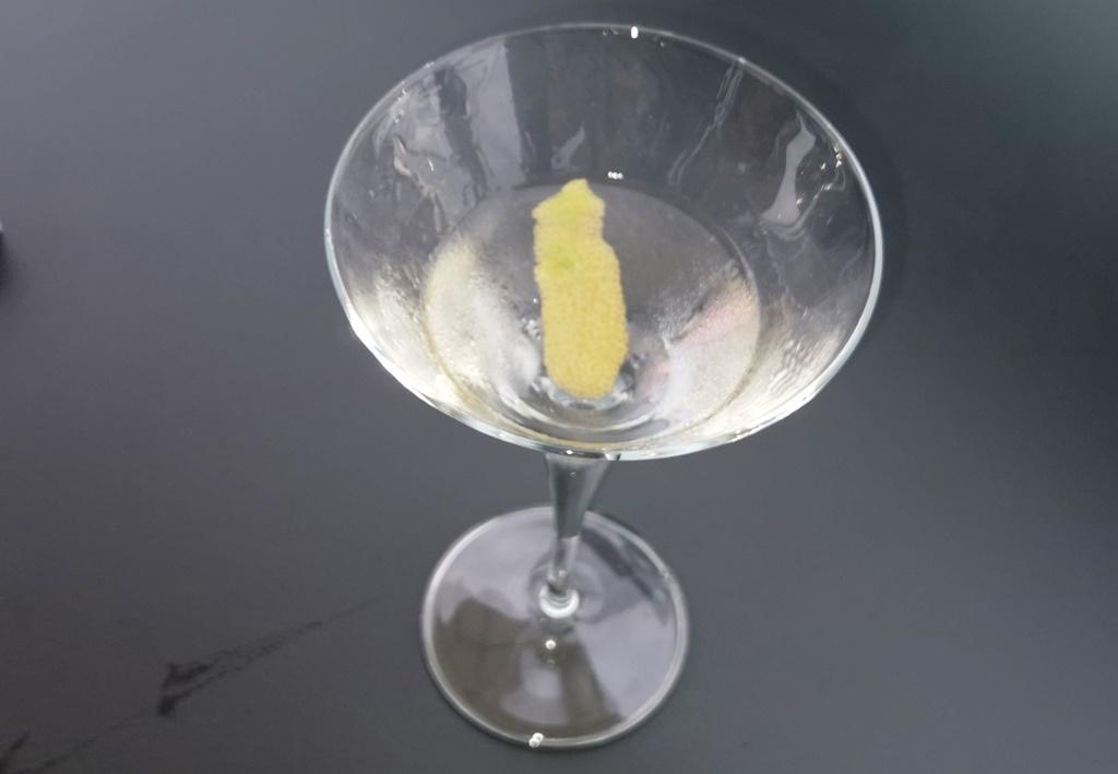 Martini auf Schwarz