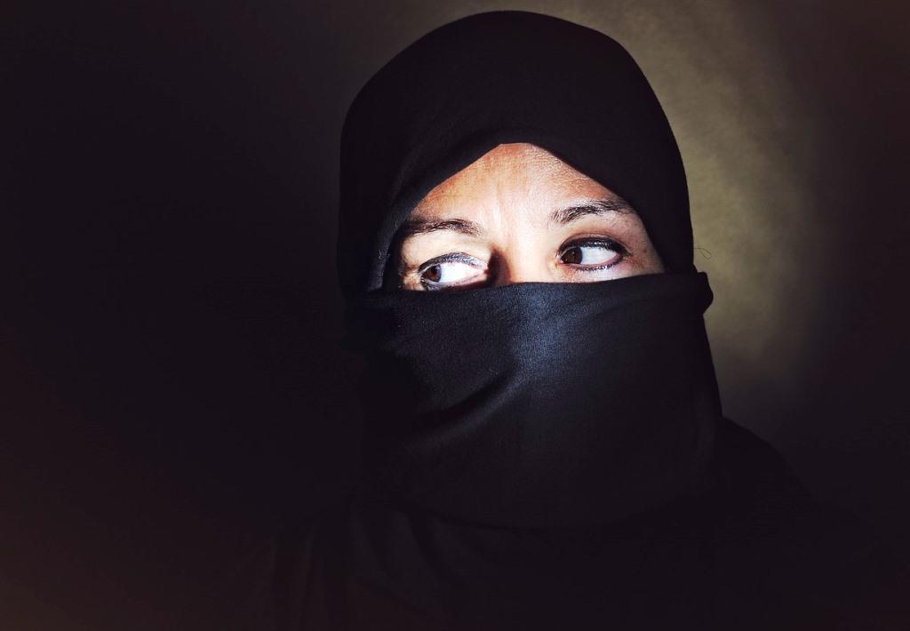 Marginalie 86 (Menschen im Hotel – Miniatur-Sitten-Gemälde): Warum sollten wir Männer eigentlich Angst vor der Islamisierung Europas haben?
