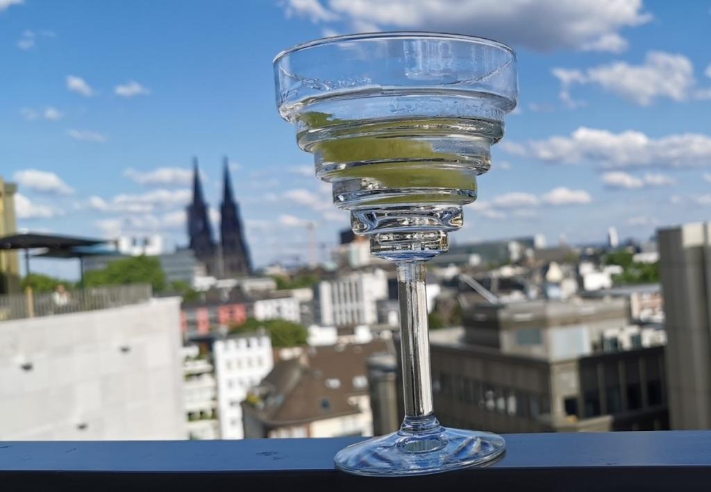 Zurück in  der Zivilisation: Monkey Bar des 25 Hours in Köln …