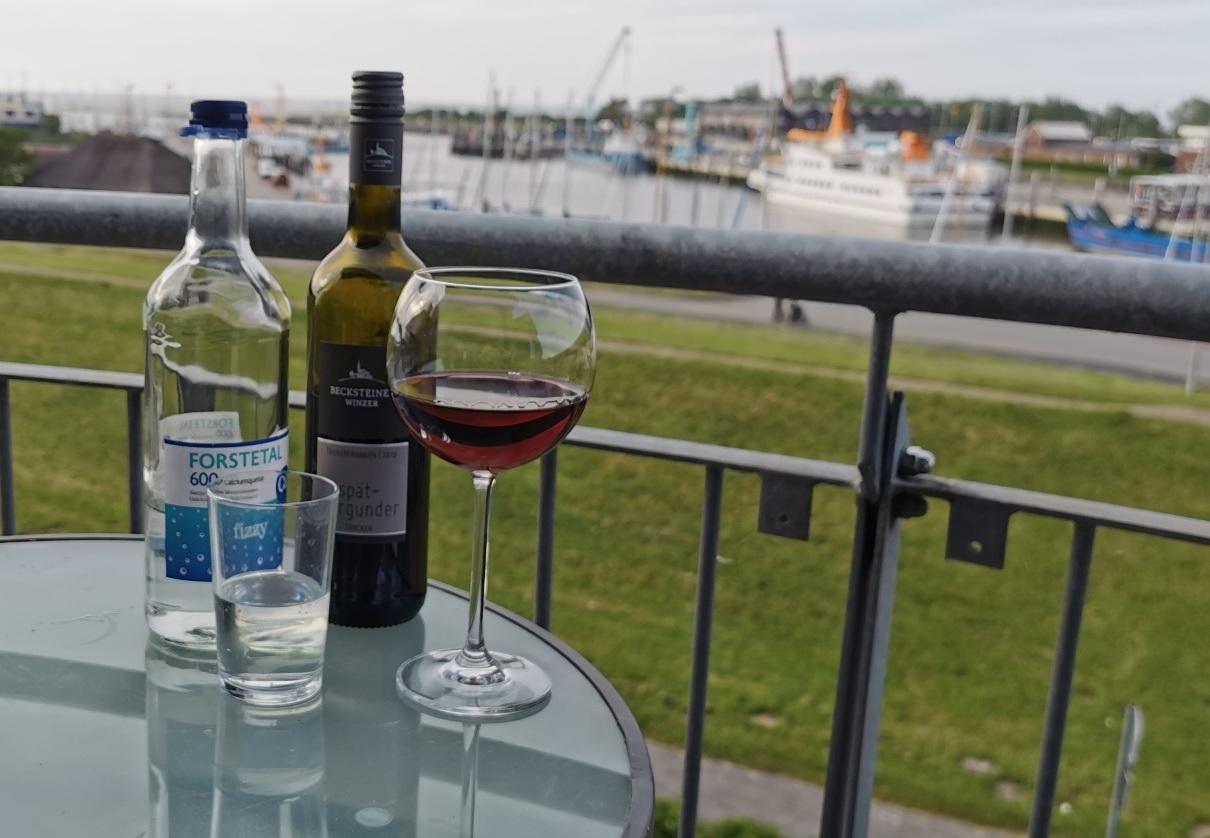 Auf der Suche nach der Deutschen Gastronomie: XV. Hotel Vier Jahreszeiten am Yachthafen in Bensersiel