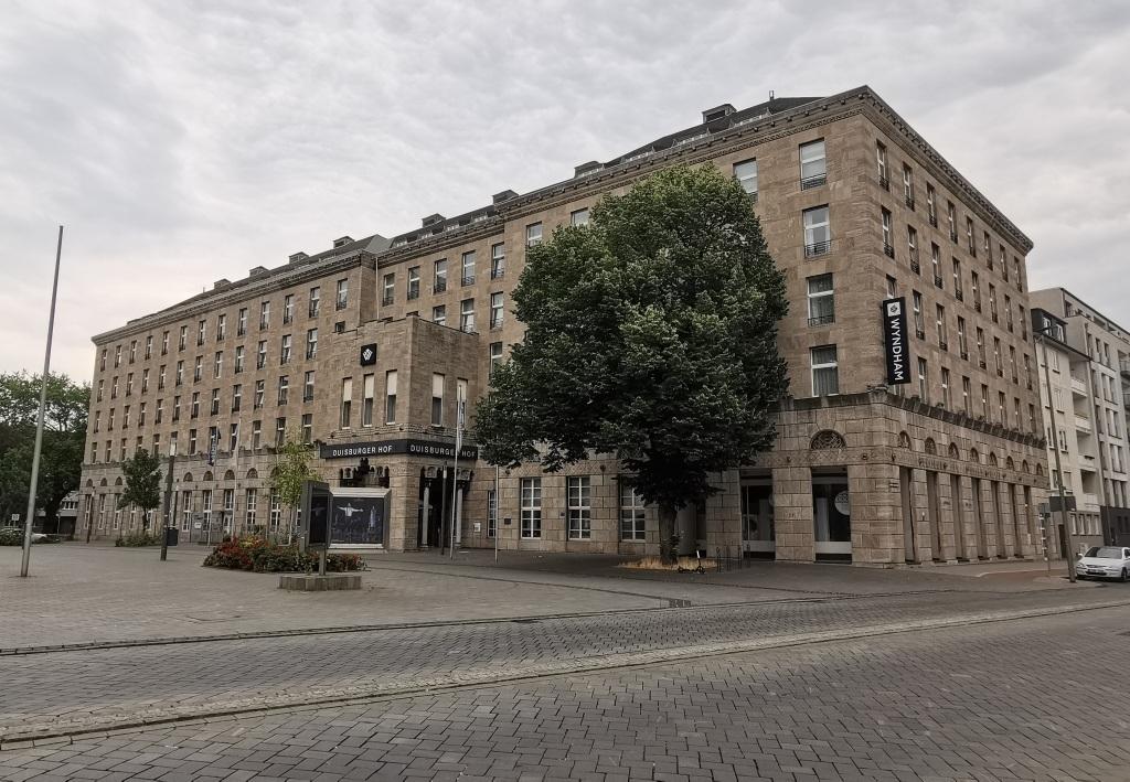Auf der Suche nach der Deutschen Gastronomie: XVI. Wyndham Duisburger Hof Hotel in Duisburg