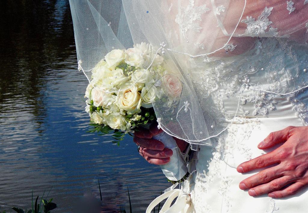 Marginalie 99: Der schönste Brautstrauß-Wurf aller Zeiten